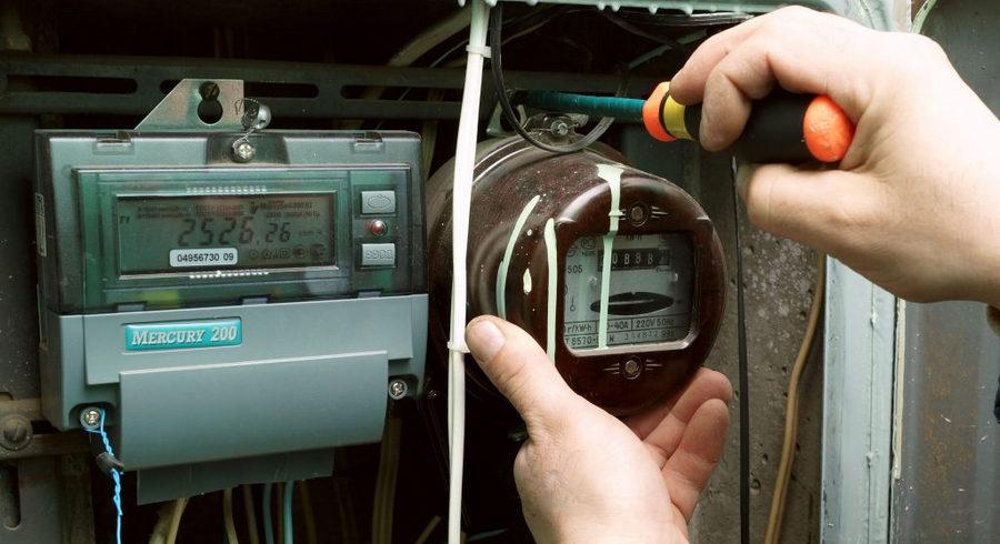Москвичей освободят от оплаты за замену электросчетчиков